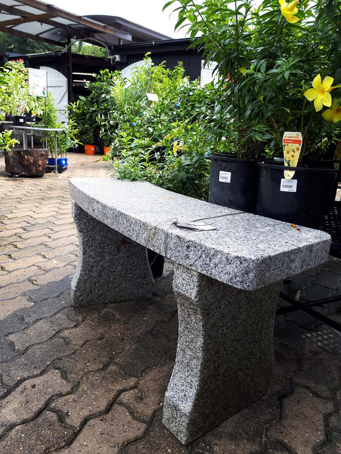 Looking for Garden and Outdoor Furniture in Cairns?